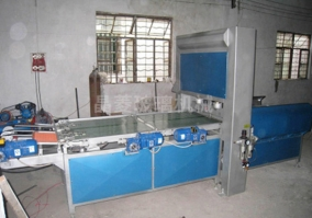 Glass automatic punching and breaking typesetting machine